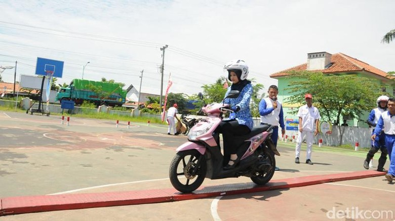 140 Instruktur Honda Ikuti Kompetisi Safety Riding
