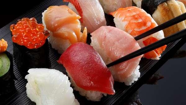 Beli Sushi di Gerai Ini Dianjurkan Bawa Wadah Sendiri