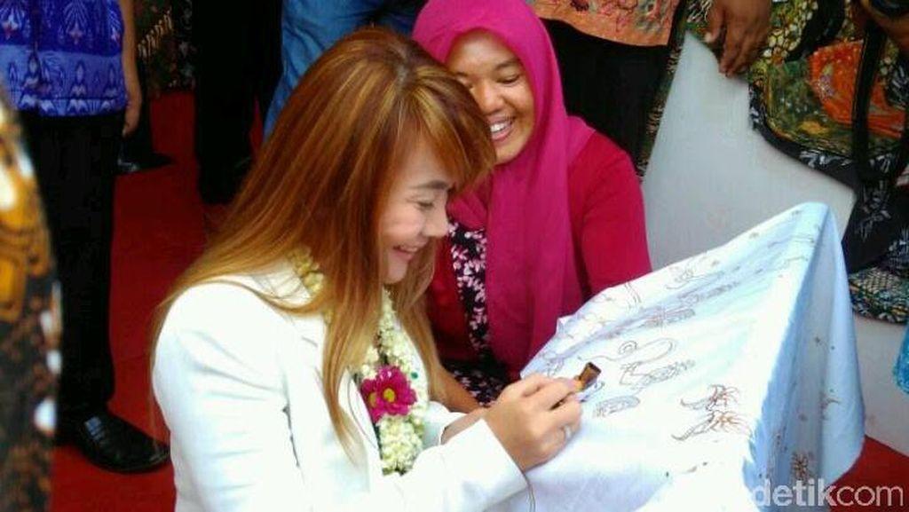 Kunjungi Trenggalek, Walikota Terbaik Filipina Bagi Pengalaman ke Bupati Emil