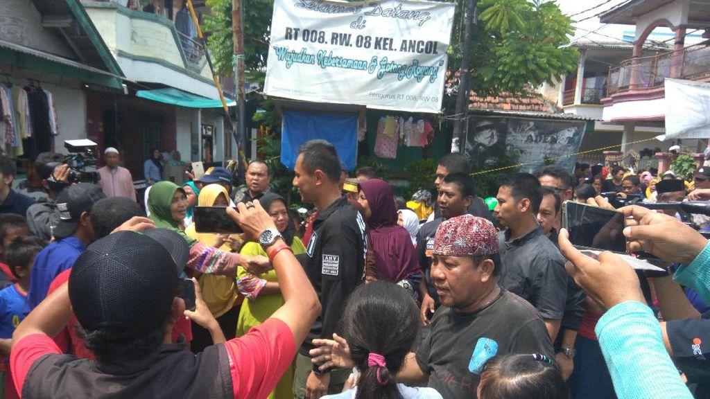 Blusukan di Kelurahan Ancol, Agus Yudhoyono Disambut Iringan Rebana