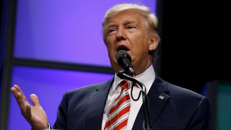 Rusia Punya Video Trump Tonton PSK Beraksi di Hotel Mewah Moskow