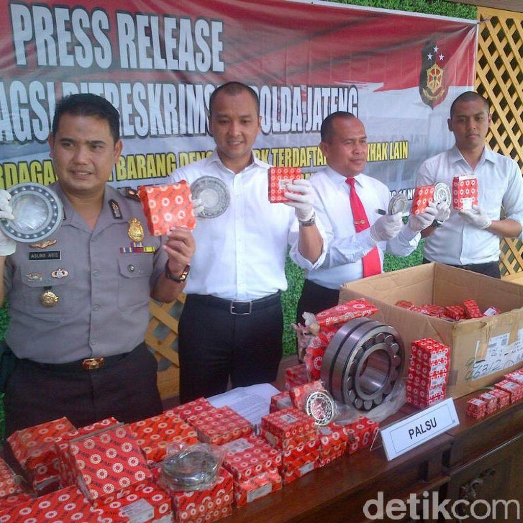 Polisi Razia Toko di Semarang, Sita 350 Laker Palsu