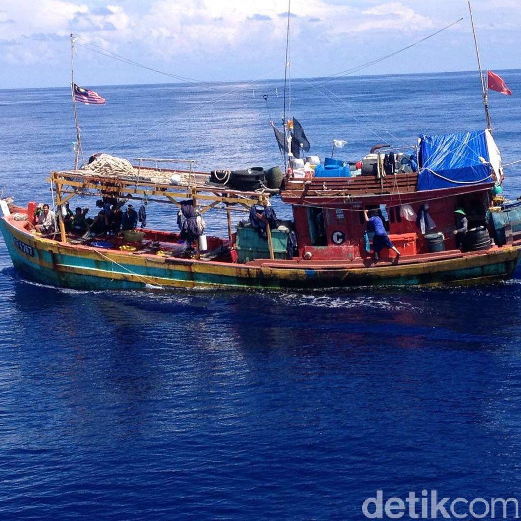 12 Kapal Asing Duduga Curi Ikan RI Akan Dilaporkan Susi ke Interpol