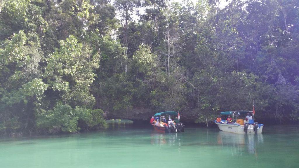 Yang Misterius dari Raja Ampat, Laguna Tersembunyi di Pulau Gam