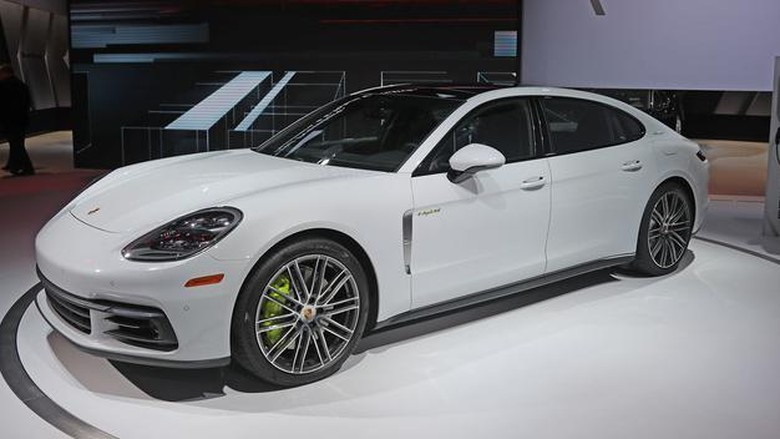 Porsche Panamera Usung New V6 Turbo