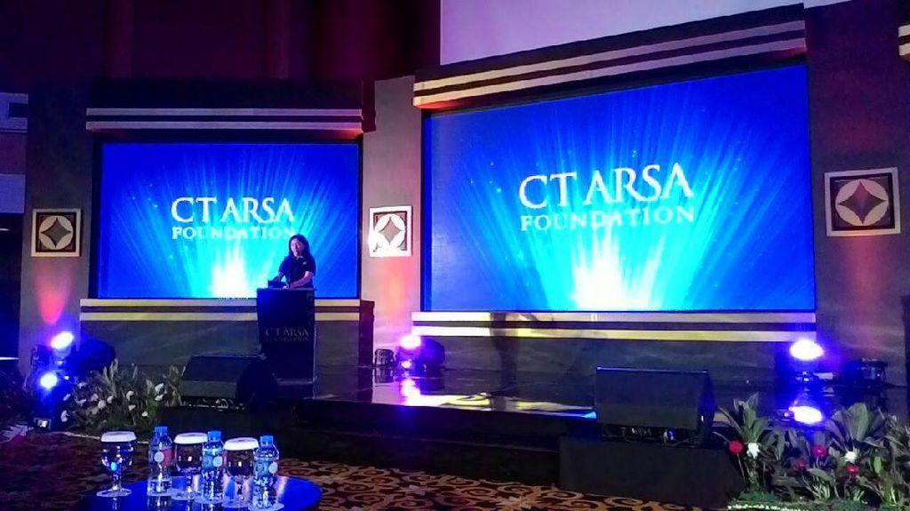 CT Didampingi Istri Hadiri Ulang Tahun ke-11 CT ARSA Foundation