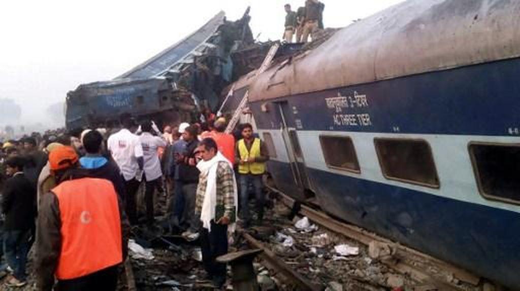 Korban Tewas Kecelakaan Kereta Api di India Lebih 100 Orang