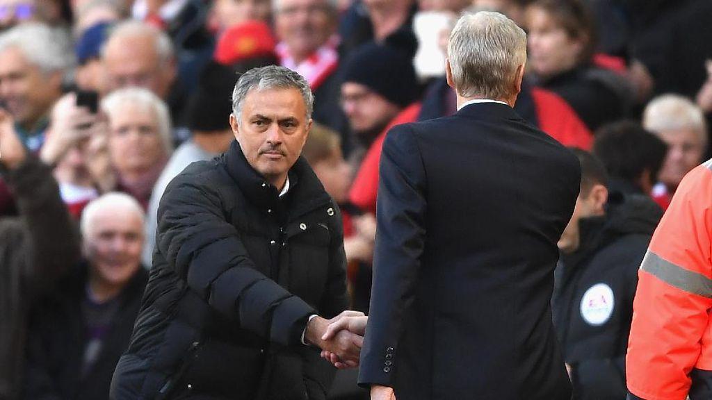 Foto-foto Terbaik Premier League Pekan 12: Comeback Toure dan Mourinho vs Wenger