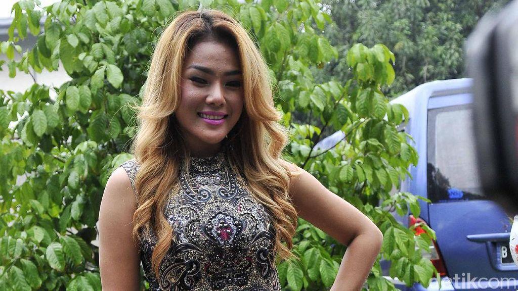 Aiko Siap Laporkan Robbi Abbas, Celine Evangelista Diisukan Hamil Duluan