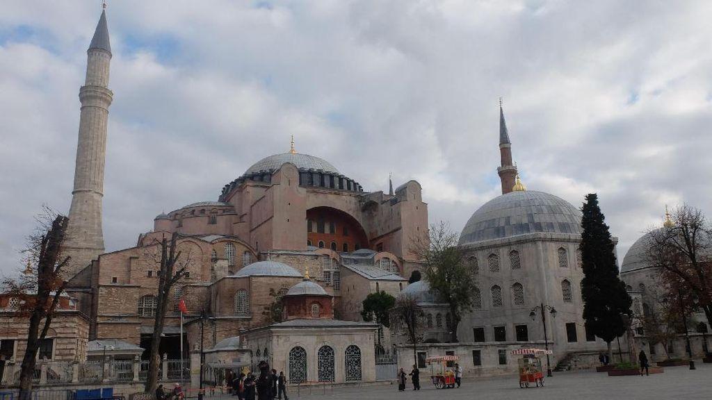 Potret Toleransi di Hagia Sophia, Dari Gereja Jadi Masjid & Kini Museum