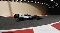 Mercedes Siap Tawarkan Kesempatan Uji Mobil F1 untuk Rossi dan Ogier