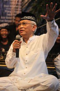 Pujian untuk Gus Mus yang Arif dan Bijaksana Sikapi Hinaan dari Pandu Wijaya