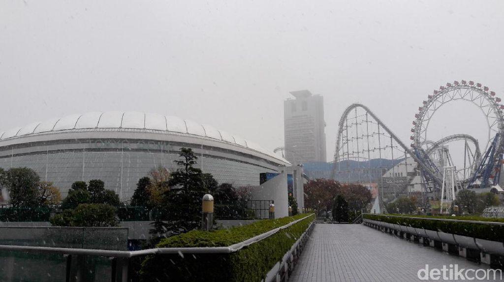 Seperti Ini Tokyo Saat Salju Turun untuk Pertama Kali dalam 54 Tahun di November