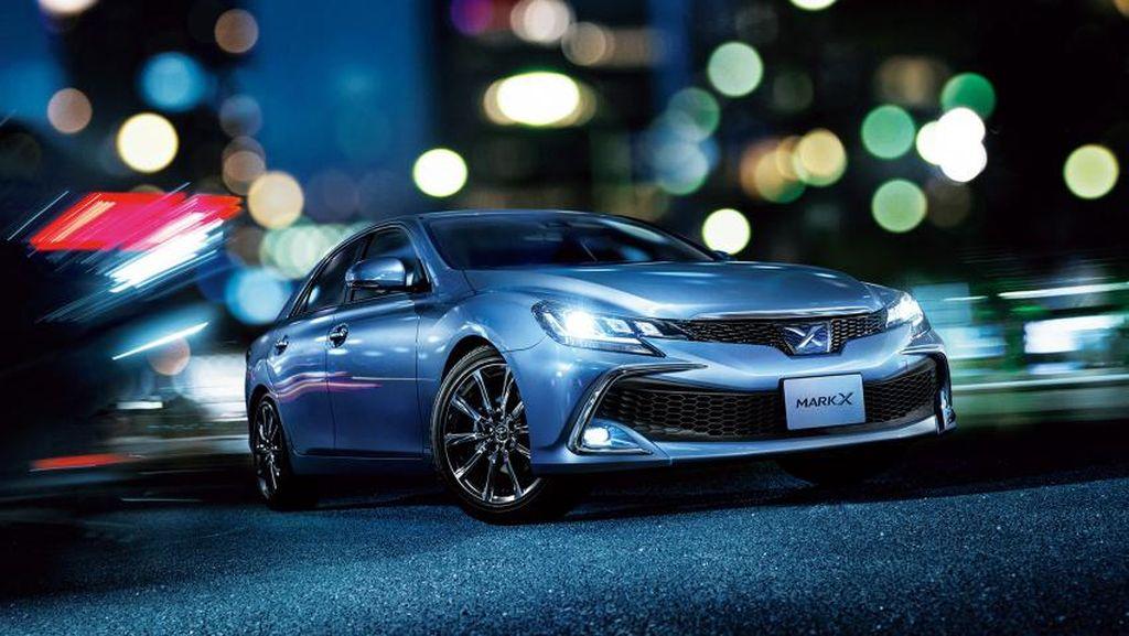 Toyota Selipkan Sistem Keamanan Canggih di Mark X Terbaru
