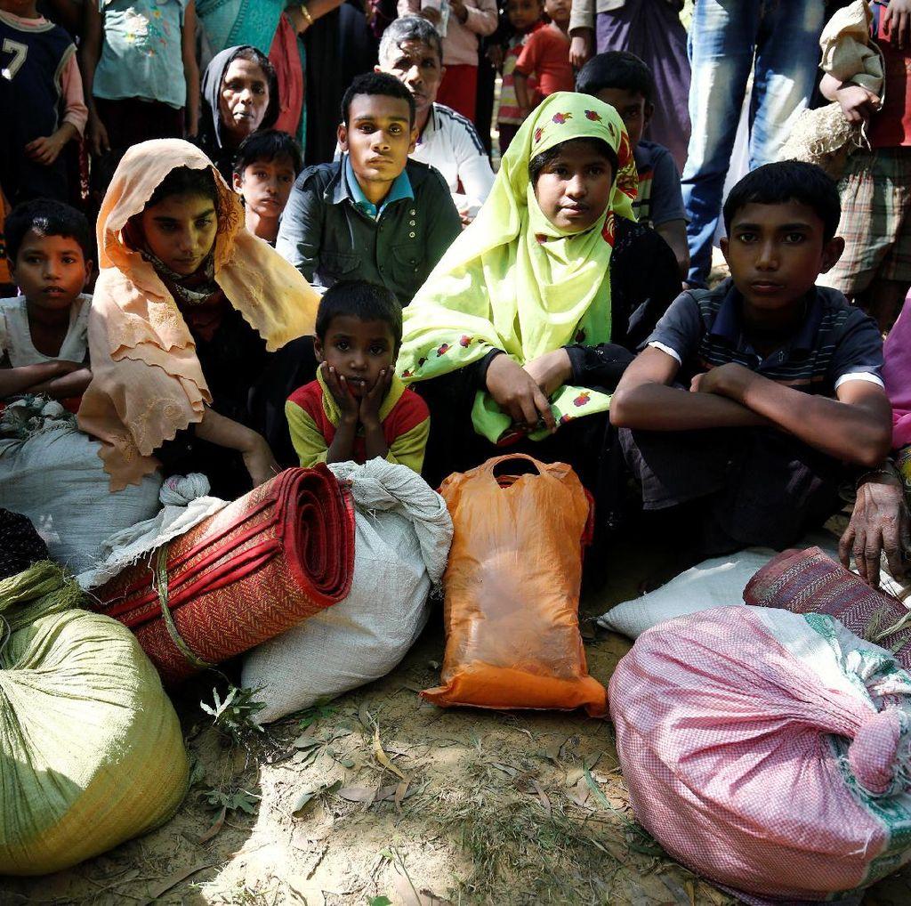 Kamp Pengungsi Rohingya di Bangladesh Hancur Akibat Topan Mora