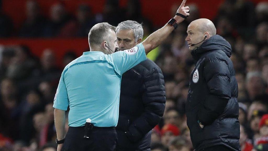 Kartu Merah Musim Ini: Pemain-pemain MU 1, Mourinho 2