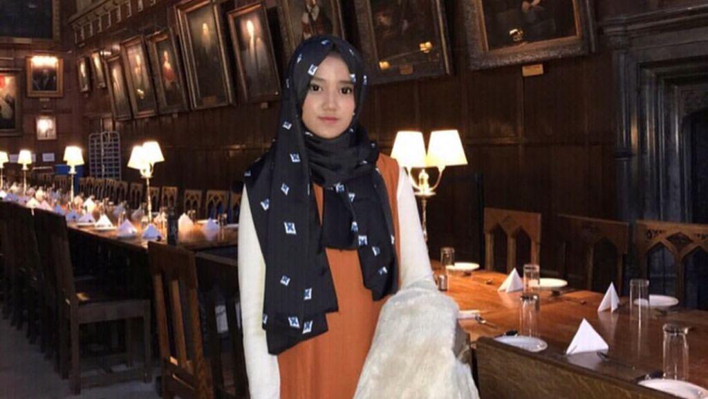 Foto: Gaya Hijab Si Manis Wirda Mansur, Putri Yusuf Mansur yang Inspiratif