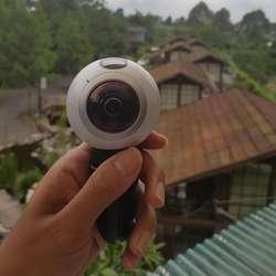 Otak-atik Gear 360, Kamera Sapujagat Samsung
