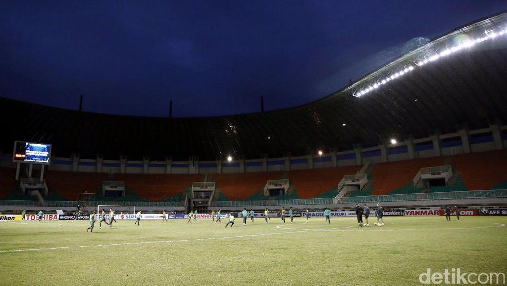 Suporter Mulai Berburu Tiket Indonesia vs Myanmar