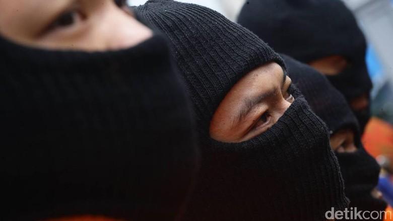 Dihukum Mati di Kasus 20 Kg Sabu, Santa Berperan Jadi Penerjemah