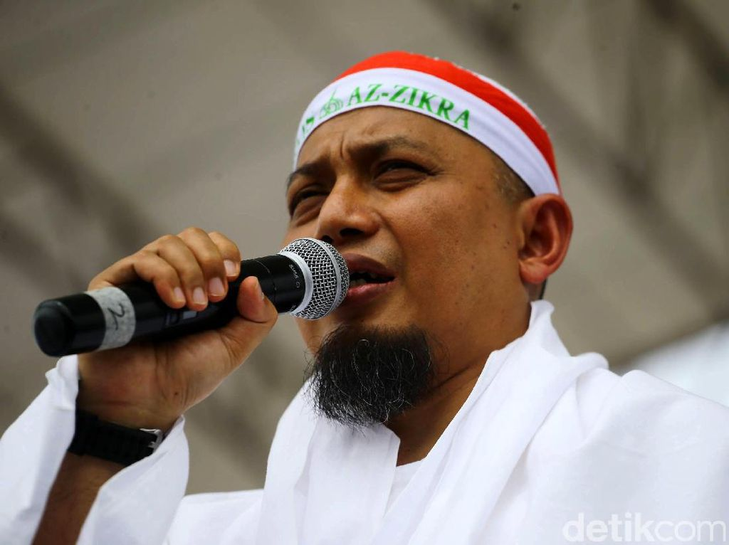 Video Keharmonisan Poligami Ustad Arifin Ilham, Netizen Nyinyir
