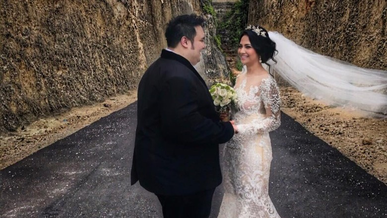 Vanessa Angel-Didi Mahardika Dikabarkan Nikah Siri, Jane: Nggak Peduli!