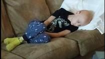 Foto Anak dengan Kanker Langka Setelah Jalani Kemoterapi Ini Bikin Terenyuh