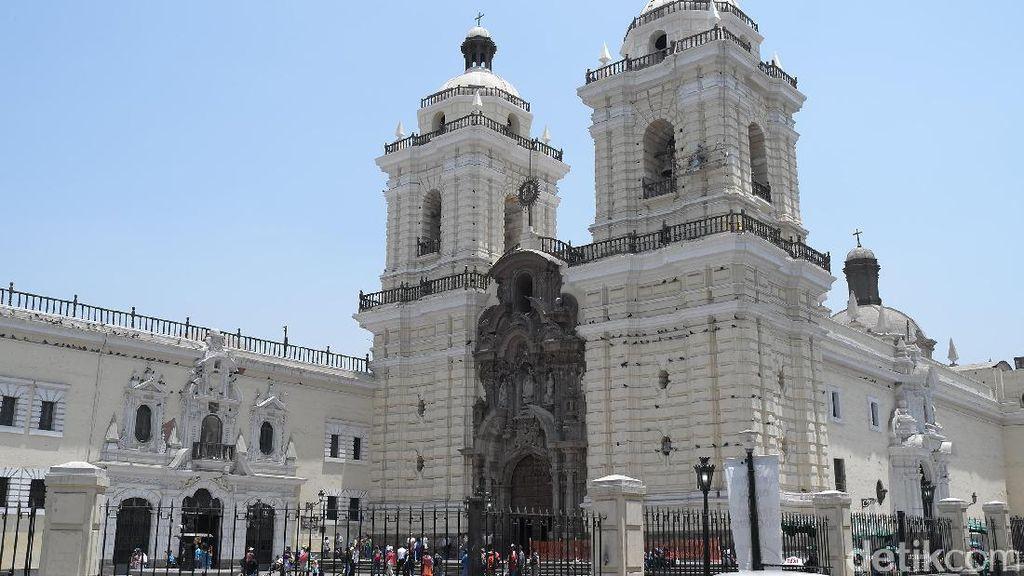 Potret Gereja Tertua di Peru, Iglesia de San Francisco