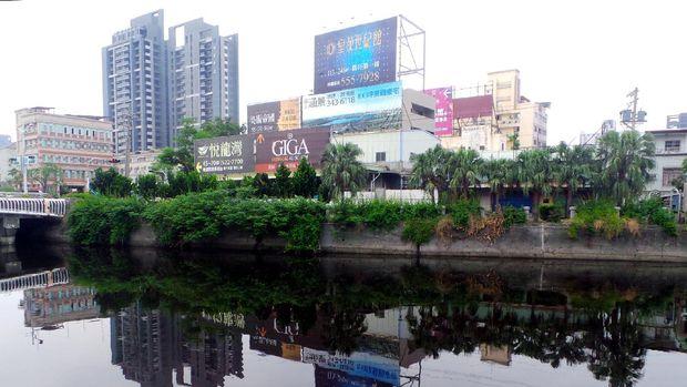 Sungai Cinta sekarang jadi bersih, padahal dulu sangat tercemar (Wahyu/detikTravel)
