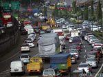 Ada Perbaikan Jalan, Tol Jakarta Arah Cibitung Padat