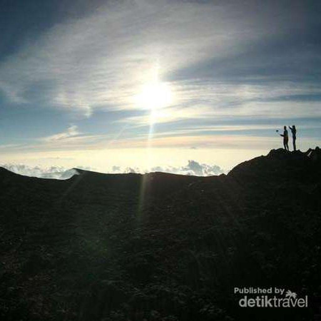 Seorang Pendaki Asal Tegal Hilang di Gunung Slamet