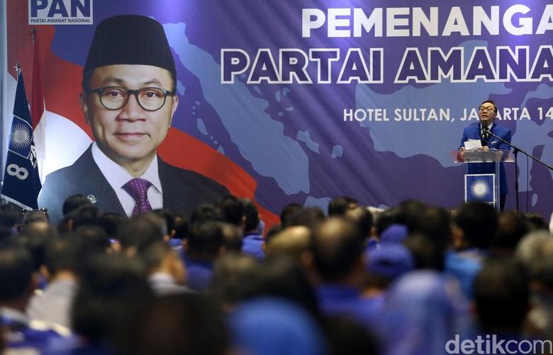 Ketika PAN Kembali Menentang Jokowi - Jakarta Jalan berbeda dengan pemerintah diambil PAN dalam pembahasan satu isu PAN mengambil sikap bertentangan dengan Pemerintah dan