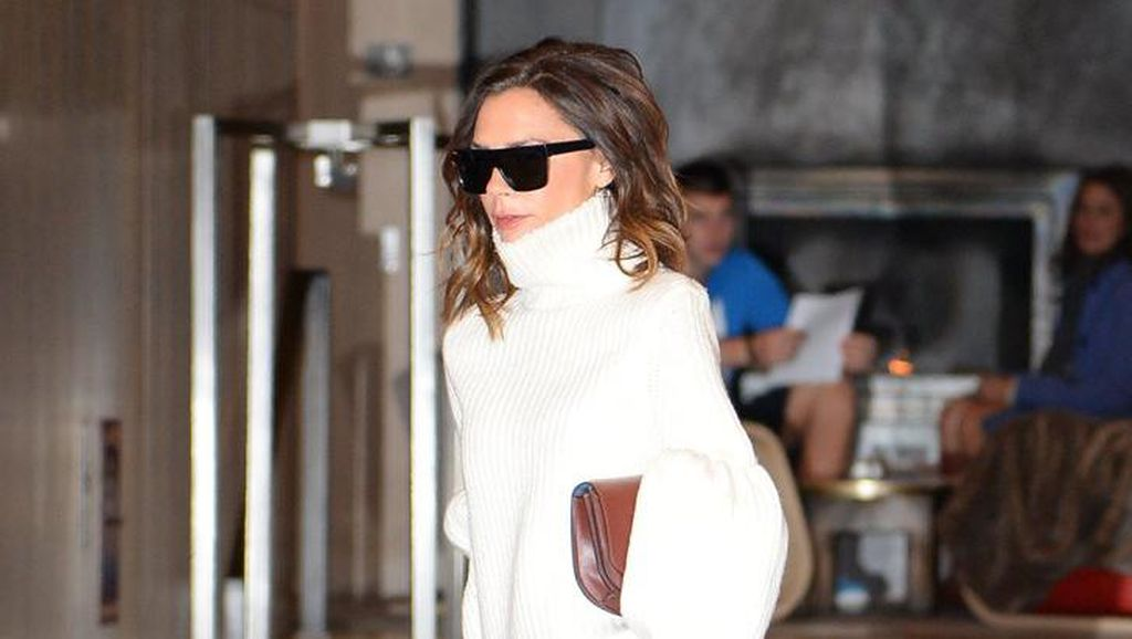 Rahasia Gaya Stylish Victoria Beckham: Suka Pakai Baju Suami