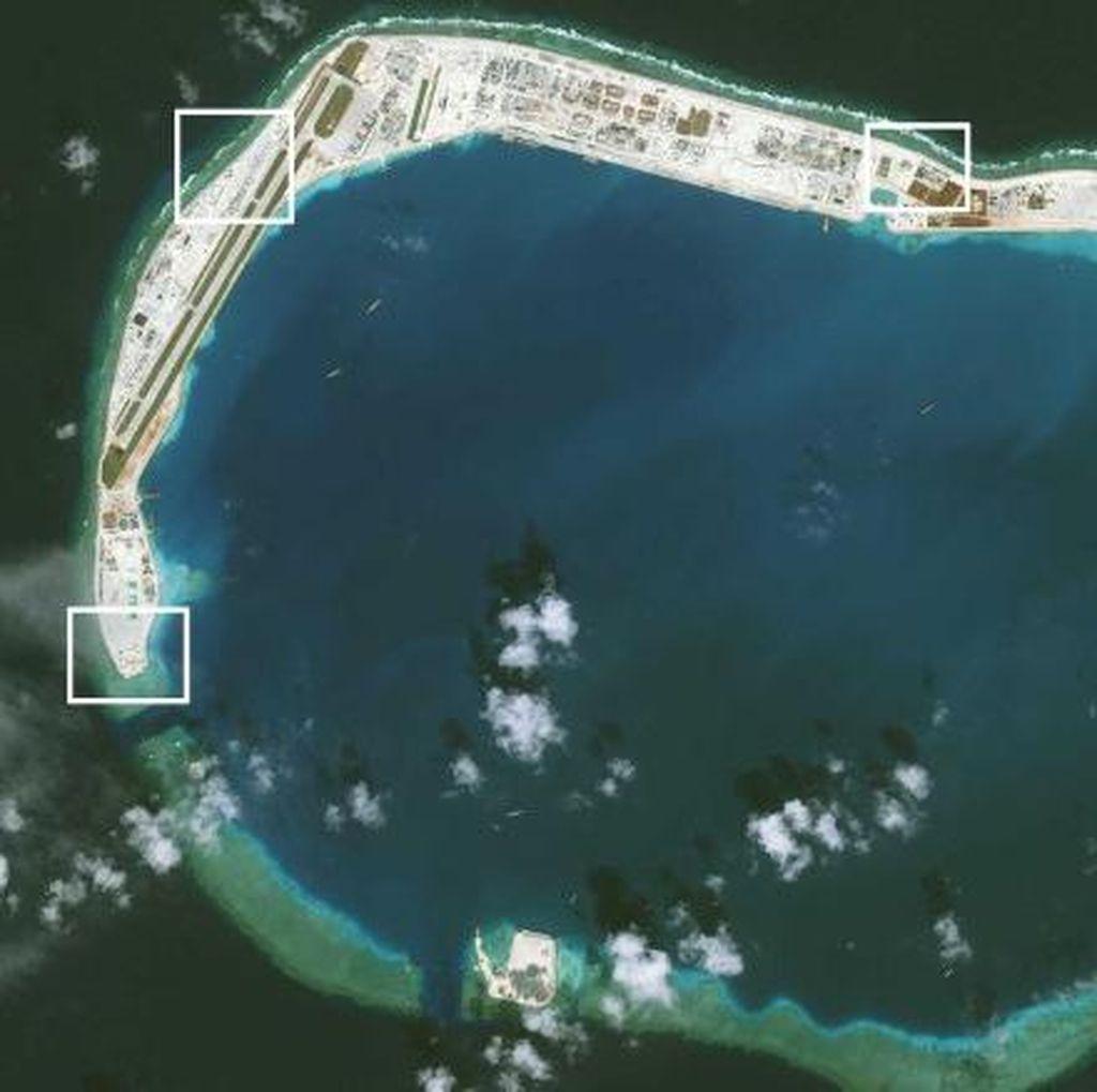 Kapal Perang AS Berlayar Dekat Pulau Buatan di Laut China Selatan