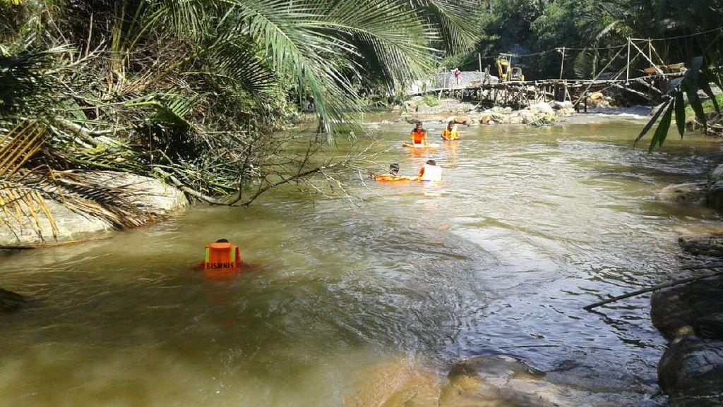 Balita di Rohul Riau Hanyut Terbawa Arus Sungai