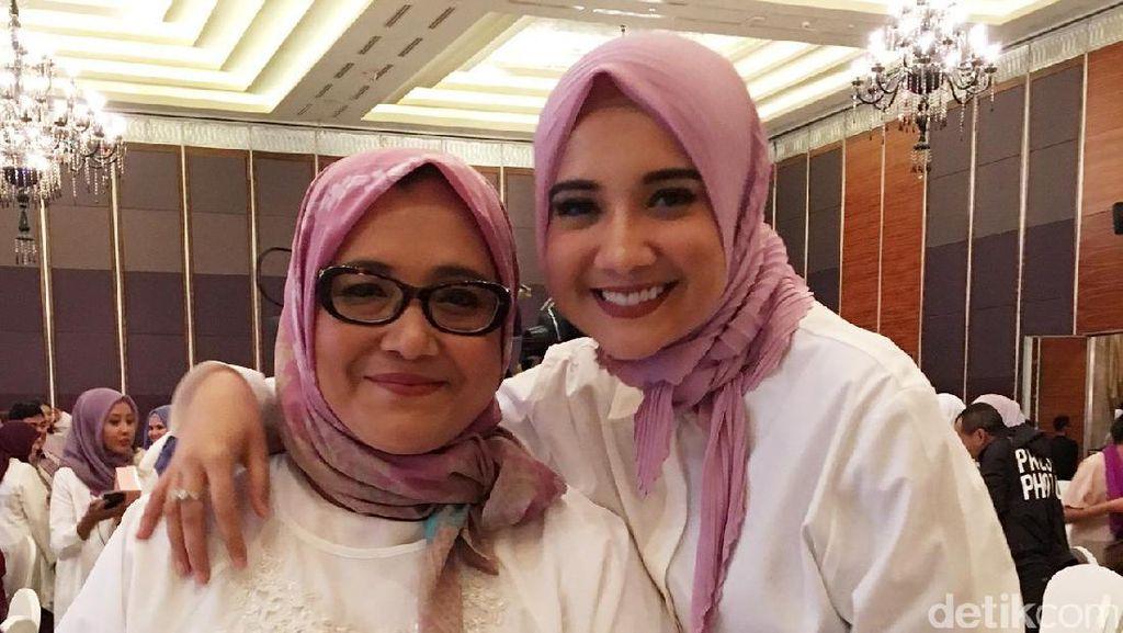 Foto: Ketika Raline Shah Hingga Ria Miranda Berbusana Kompak dengan Ibu