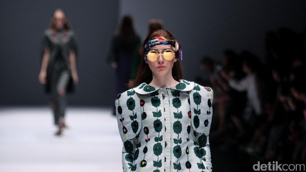 Foto: Koleksi Mel Ahyar First di Jakarta Fashion Week 2017
