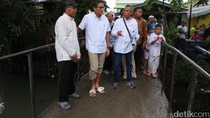Tinjau Kali Sodetan di Kebon Jeruk, Sandiaga: Pendangkalannya Parah