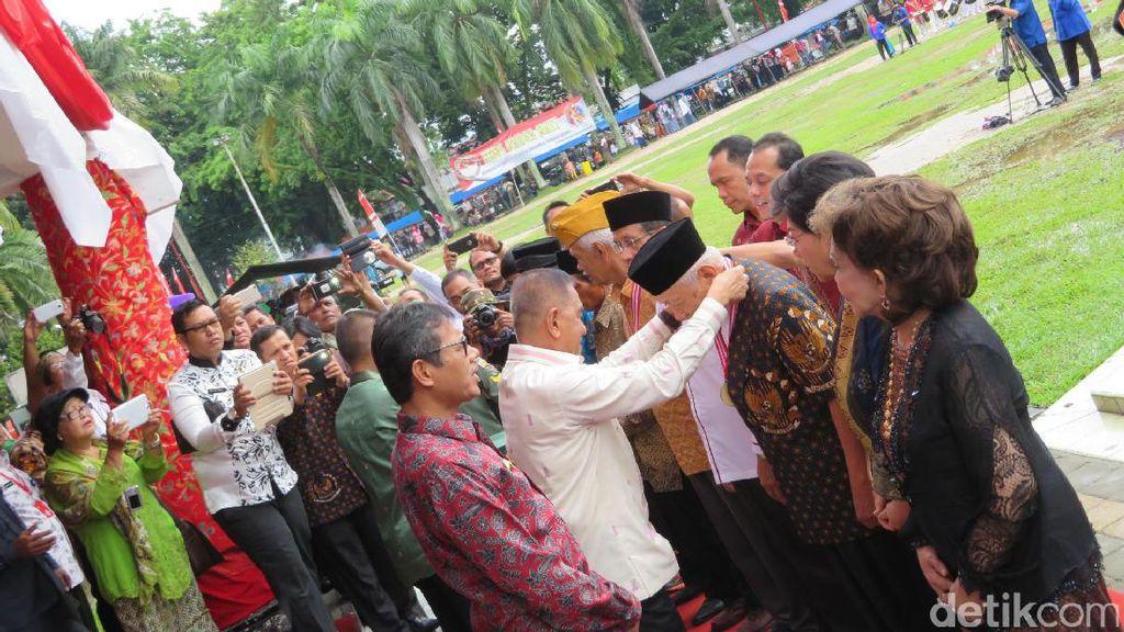 Menhan Beri Penghargaan Bela Negara kepada 3 Datuk Ketua Adat Minangkabau