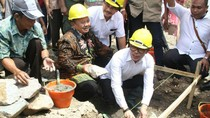 Menaker Resmikan Pembangunan Rumah-rumah Tipe 36 untuk Para Pahlawan Devisa