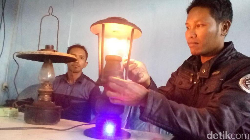 Pria Tamatan SD Ini Ciptakan Lampu Listrik Unik, Menyala Pakai Korek Api