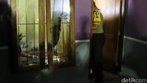 Polisi Olah TKP di Rumah Kontrakan Teroris