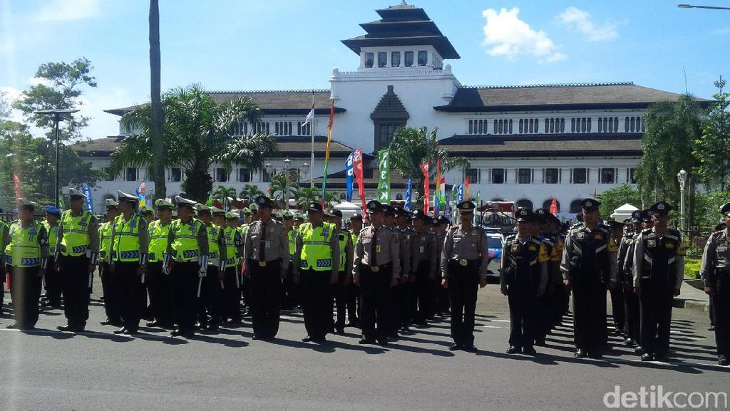 1.376 Polisi Amankan Kunjungan Raja dan Ratu Swedia di Bandung