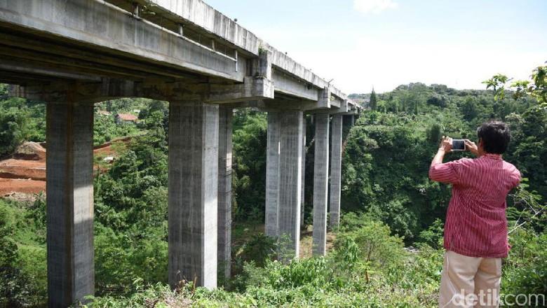 Demi Keselamatan, Hanya Mobil Golongan Satu yang Bisa Lewat Jembatan Cisomang