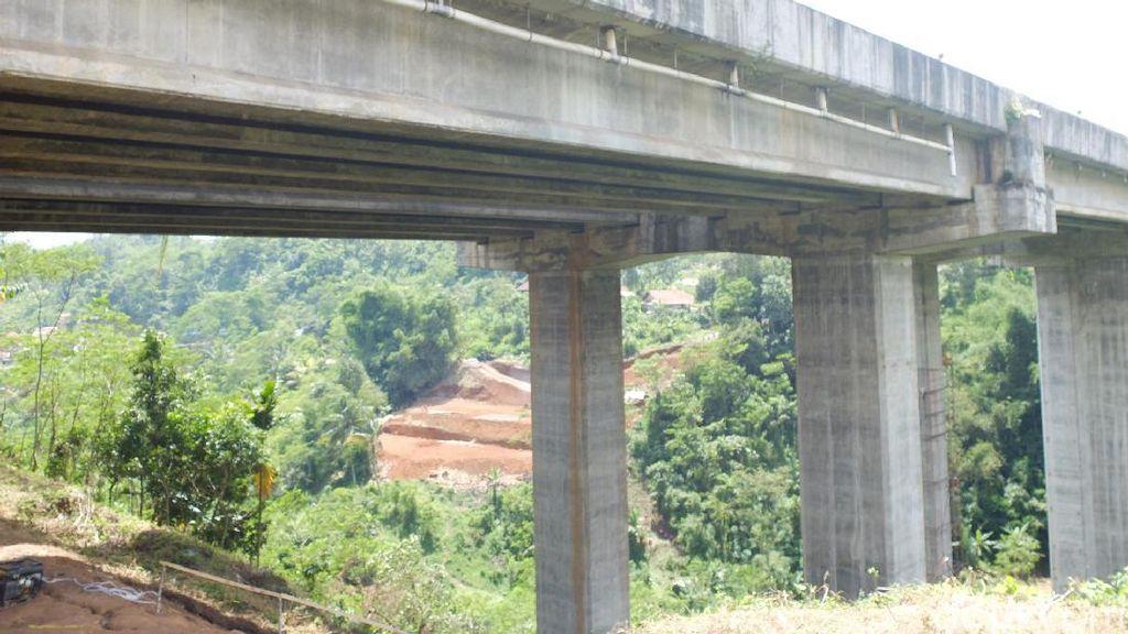 Dampak Jembatan Cisomang, 20 persen Wisatawan Batal Berlibur di Bandung