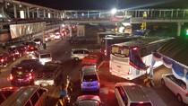 Libur Natal, Ribuan Kendaraan Melintas dari Pelabuhan Penyeberangan Merak
