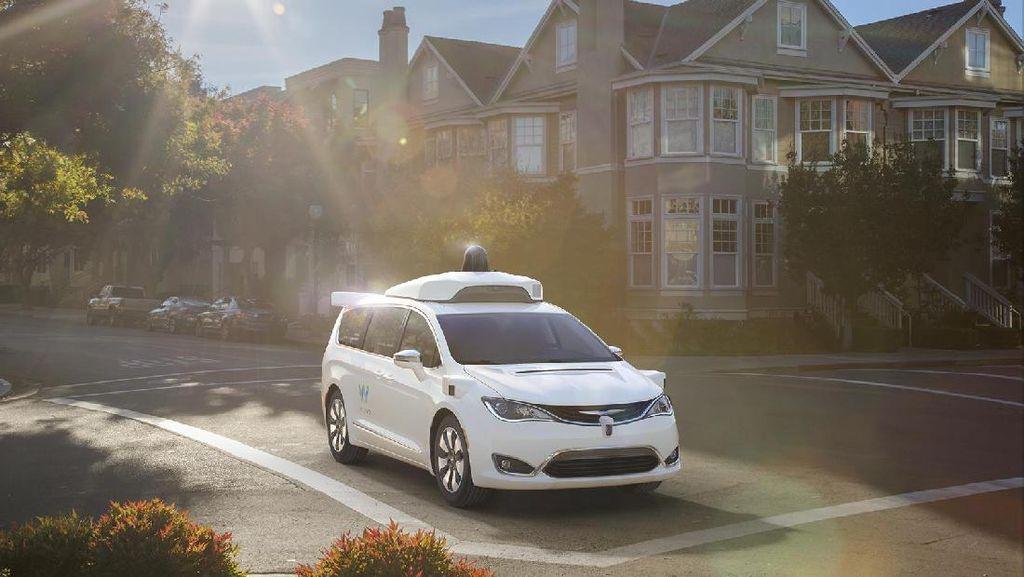 Mobil Tanpa Sopir Google Mulai Melayani Publik dengan Gratis