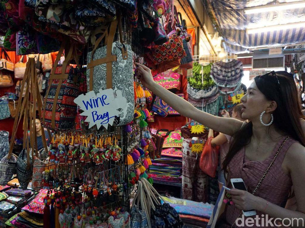 Dear Ladies, Ini Destinasi Impian 2017 Buat Belanja Puas di Asia