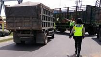 Dikejar Polisi Jombang, Truk Penabrak Lari Tancap Gas hingga Tabrak Pagar