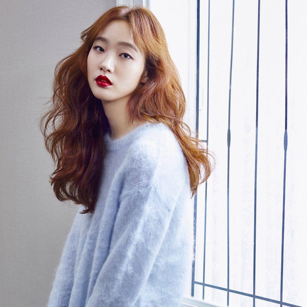 Dikomentari Negatif, Kim Go Eun Hapus Foto Selfie di Instagram